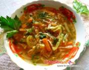Готовим в микроволновой печи. Суп с капустой, морковью и сельдереем